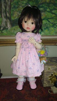 Meadow Dolls Saffi in pink dress