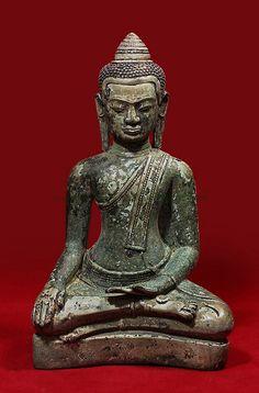 Thai Buddha Statue, Buddha Statues, Art Thai, Buddhist Philosophy, Buddhist Art, Dalai Lama, Laos, Boho Decor, Sculptures