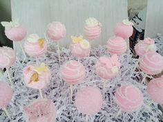 Cake Pops, Girl Baby Shower, París in the Spring Theme Baby Shower, Baby Shower, Spring, Garden, Butterflies, Daisies, Pink, Pastel Colors