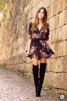 Very Cute Fall Outfit. This Would Look Good Paired With Any Shoes. 47 Outstanding Looks For Ending Your Fall – Very Cute Fall Outfit. This Would Look Good Paired With Any Shoes. Mode Outfits, Casual Outfits, Fashion Outfits, Womens Fashion, Floral Outfits, Asos Fashion, Black Outfits, Floral Dresses, Dress Fashion