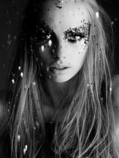 All He wanted was the glitter girl. When She realized this, the sparkle from her eyes dimmed ️LO