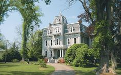 The historic Queen Anne Inn in Annapolis Royal is one of the exquisite properties you can stay in while visiting Nova Scotia's South Shore and Evangeline Trail Cool Places To Visit, Places To Go, Annapolis Royal, Visit Nova Scotia, Victorian Style Homes, Atlantic Canada, Port Royal, Prince Edward Island, New Brunswick