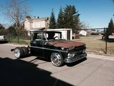 Dually for sale! Here you go Dino! Not Mine! - The 1947 - Present Chevrolet & GMC Truck Message Board Network Lowered Trucks, Dually Trucks, Gm Trucks, Cool Trucks, Dually Wheels, Chevy Pickup Trucks, Classic Chevy Trucks, Chevy Pickups, Chevrolet Trucks