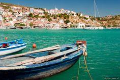 Samos-Pythagorion-fishingboats-amazing view