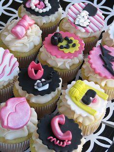 Lady Gaga Cupcakes... Bridal Shower perhaps?! @Kelly Teske Goldsworthy Nguyen