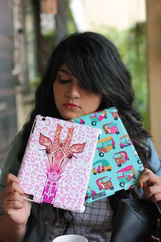 Gia recall purchasing a bright pink phone a few years back as She got bored of her plain black one only because it looked pretty! Now that she have cases available in various shapes & designs , it solves the problem, doesn't it? #DailyObjects #Dailyhappiness #MobileCover
