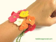 Toddler Approved!: Flowers on a String: Simple Mother's Day Necklace or Bracelet