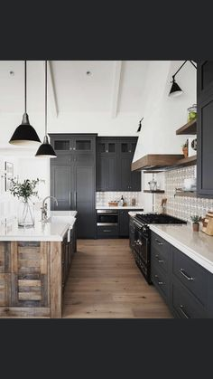 Kitchen Redo, Home Decor Kitchen, Kitchen Living, Kitchen Interior, Home Kitchens, Kitchen Remodel, Kitchen Design, Kitchen Ideas, Casas Tudor