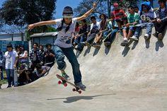 Acabo de compartir la foto de Ronald Alex Espinoza Marón que representa a: Skateboarding femenino en Perú.