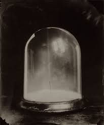 Ben Cauchi realises contemporary photos with a surreal-metaphysical twist. The artist uses the wet-collodion photographic process, one of the very earliest photographic techniques. Object Photography, Still Life Photography, Night Circus, Fairy Tales, Fine Art, Artist, Level 3, Biography, Mood Boards