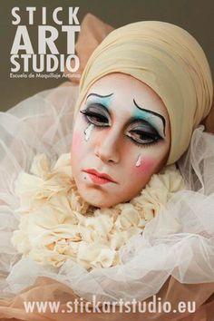 Maquillaje realizado por Mercé Sánchez, maestra de Stick Art Studio, escuela de maquillaje artístico y profesional.  Barcelona, España.