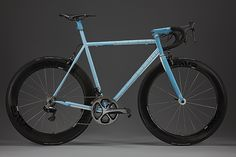 Yikes! The crew at Speedvagen have been working on something extra special with their new 2014 Overt Road Machine. Head over to the Vanilla Flickr for more incredible details like that seat mast me...