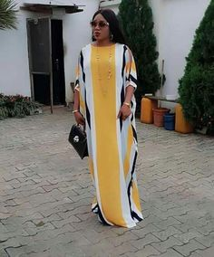 Image may contain: 1 person, standing and outdoor Long African Dresses, Latest African Fashion Dresses, African Print Fashion, Abaya Mode, Africa Dress, African Attire, Ideias Fashion, Fashion Outfits, Casual