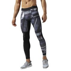 Reebok One Series Shattered Stripe Compression Tight - pánské kalhoty Athletic Outfits, Athletic Fashion, Sport Outfits, Athletic Style, Athletic Clothes, Workout Gear For Men, Childrens Gym, Fight Wear, Gym Outfit Men