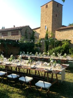 Borgo Petrognano , Tuscan Garden Wedding with Country style Table arrangements. All Rights Reserved GUIDI LENCI www.guidilenci.com