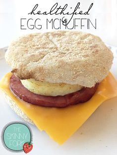 Healthified Egg McMuffin - This fabulous breakfast on the go is only 202 calories! Kid friendly. Freezer friendly. And super easy to boot! Mcmuffin, Freezer Cooking, Freezer Eggs, Freezer Recipes, Easy Cooking, Cooking Recipes, Skinny Recipes, Weight Watchers Meals, Breakfast Photo