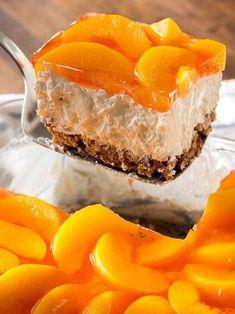 Peach Pretzel Jello Salad use low carb ingredients (Jello Dessert Recipes) Jello Desserts, Jello Recipes, Dessert Salads, Pudding Desserts, Easy Desserts, Delicious Desserts, Dessert Recipes, Yummy Food, Quick Recipes