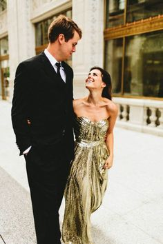 Glamorous engagement photo outfit inspiration: shiny gold dress | Image by Maile Lani