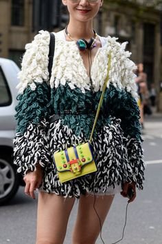 The Darker Horse: Muppet - Street Style Outfits Street Style Boho, Looks Street Style, Looks Style, Street Chic, Knit Fashion, Look Fashion, Street Fashion, Womens Fashion, Fashion Design