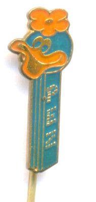 WALT DISNEY, FLOWER HEADED DUCK- Pez Dispenser 1970s Hat Stick Pin. http://www.ebay.com/itm/WALT-DISNEY-FLOWER-HEADED-DUCK-Pez-Dispenser-1970s-Hat-Stick-Pin-/161118509769?pt=LH_DefaultDomain_0&hash=item2583695ac9