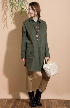 Irregular army green cotton long-sleeved shirt / personality and temperament Large pocket woman Shirt