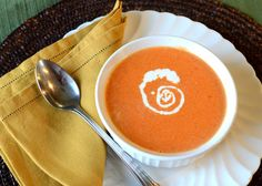 Simple Cream of Tomato Soup comes together quickly to make a creamy soup with canned tomatoes, onion and garlic, butter, and chicken broth and whole cream. Best Tomato Soup, Cream Of Tomato Soup, Tomato Soup Recipes, Chili Recipes, New Recipes, Cooking Recipes, Orzo Recipes, Diabetic Recipes, Cooking Ideas