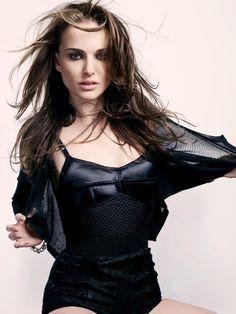 Natalie Portman - 9GAG Natalie Portman Star Wars, Natalie Portman Sexy, Natalie Portman Bikini, Beautiful Natalie Portman, Liam Neeson, Beautiful Female Celebrities, Beautiful Actresses, Ewan Mcgregor, Nathalie Portman