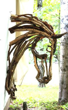 Below is a gallery of the sculptures that Lindsey currently has offered for sale. Often, Lindsey displays these sculptures at art galleries and equine events. If you would to see these sculptures in. Driftwood Wall Art, Driftwood Projects, Driftwood Sculpture, Horse Sculpture, Driftwood Wreath, Twig Art, Outdoor Art, Land Art, Horse Art