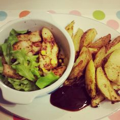 Slimming world cajun chicken strips and wedges, with bbq sauce. Only 1syn