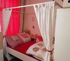 Wir verkaufen das wunderschöne Himmelbett unserer Tochter. Das Bett ist in einem guten Zustand. Wir...,Himmelbett, Bett, weiß, IKEA Edland + Lattenrost & Mittelschiene in Leipzig - Mitte