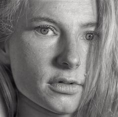 hyper-realistic drawings by Dirk Dzimirsky