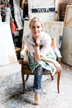 BTS with artist Deann Hebert: http://www.stylemepretty.com/living/2015/08/06/behind-the-scenes-with-artist-deann-hebert/   Photography: Paige French - www.paigefrench.com