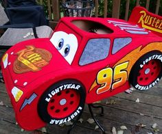 I wanted to make a costume for my 2 year old son this year, but needed to decide between his two favorite LOVES: Lightning McQueen and Thomas the Train. I decided. Homemade Costumes, Diy Costumes, Toddler Costumes, Costume Ideas, Halloween Costume Contest, Halloween Kids, Halloween 2016, Piñata Cars, Disney Cars