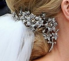 Hair Jewels of Princess Charlotte of Monaco worn by Charlene the day of her wedding to Price Albert II on Monaco in 2011. Lovely.