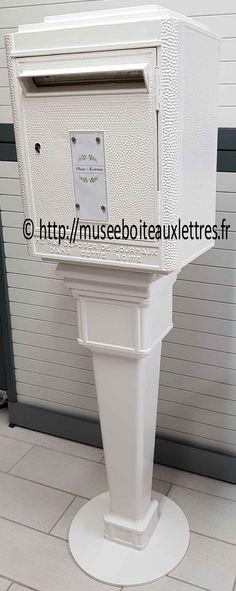 une boite aux lettres pour votre mariage. une urne pour votre mariage.  boite aux lettres ptt urne pour mariage.