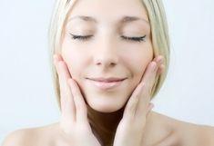 Как использовать вазелин: 6 бьюти-способов