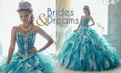 Vestido de #QuinceAños con detalles de pedrería en el área del corsé y hermosos colores. Mas diseños solo en Brides and Dreams.