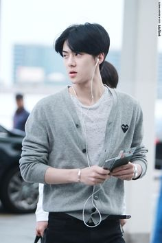 Sehun | 150529 Incheon Airport departing for Shanghai