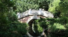 Grand Canal, Parcs Paris, Canal Saint Martin, Photo Reference, Nature Photos, Destinations, England, Mansions, Landscape