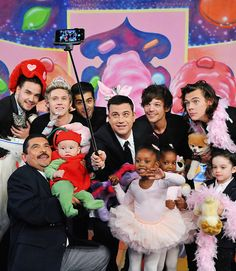 💚🌈 One Direction Posters, One Direction Memes, One Direction Pictures, I Love One Direction, Imprimibles One Direction, Cutest Picture Ever, Star Wars, Jimmy Kimmel Live, Mr Style