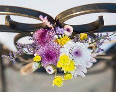 En Cardamomo Catering nos gusta cuidar todos los detalles.  Estos ramos de flores los preparamos en la boda de Eva y Luis.