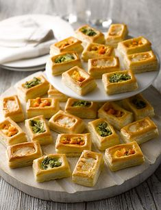 27 Vegetarian Vol-Au-Vents Pieces) Veggie Vol-Au-Vent - Brunch Idea Vol Au Vent, Brunch Buffet, Breakfast Buffet, Breakfast Ideas, Breakfast Cups, Party Snacks, Appetizers For Party, Birthday Appetizers, Parties Food
