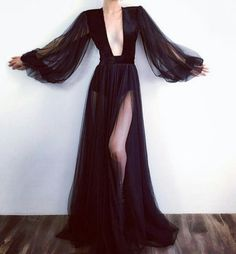 Absolutely flawless black, long sleeve evening gown with plunging neckline desig. - Absolutely flawless black, long sleeve evening gown with plunging neckline desig… Source by supergazeebo - Long Sleeve Evening Gowns, Evening Dresses, Prom Dresses, Black Evening Gowns, Afternoon Dresses, Long Sleeve Gown, Dress Outfits, Fashion Dresses, Dress Up