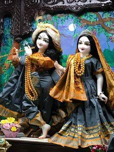 Jai Hanuman, Laddu Gopal, Krishna Radha, Best Couple, Simple Dresses, Deities, Princess Zelda, Pune, Couples
