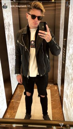 He just set the bar so high Jack And Conor Maynard, Buttercream Squad, Mens Hairstyles With Beard, Fangirl, Leather Jacket, Celebrities, Sexy, Jackets, British Youtubers