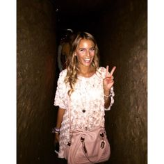 #RamonaAmodeo Ramona Amodeo: Adoro visitare la mia amata città!!!! Napoli sotteranea ✨ #mycity #unadomenicaspeciale #super #sunday #turistipercaso #sundaygood #totalpink #happy #smile #cute #beautiful #story #fashion #style #picoftheday #bestoftheday #photooftheday #ff #bag #chloe @chloe #blonde #adventure #naples #neaples #bracelets #legioiediramona #luckybracelets @legioiediramona