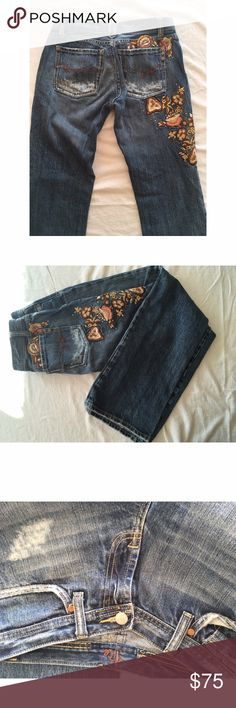 "Embroidered floral miss me jeans Embroidered miss me jeans size 28 color on tag says ""La Quinta"". Gorgeous flower embroidery and Crystal detail a few crystals are missing but not many. distressed medium wash boot cut. Excellent condition and super cute! Miss Me Jeans Boot Cut"