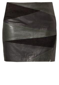 Gestuz - ABHA - Falda de cuero - verde oliva