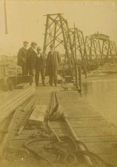 Durante la construcción del Cable Inglés (Almería). Año 1902.
