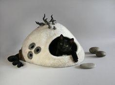 пещерный кот, Кошкин дом, кот, постель, кровать любимчика, белый кремовый серый,OOAK кровать кота, идея подарка, эксклюзивный Кошкин дом, Эко-дружественных кошка пещеру